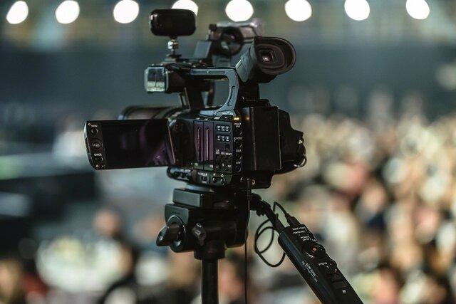 Agence de communication basée à Angers, vous propose des offres vidéos. L'animation vidéo est une solution connue et reconnue pour dynamiser ses supports et ses réseaux. Com'Scoring s'occupe de la réalisation et du montage de tous vos supports vidéos, en respectant le cahier des charges défini.